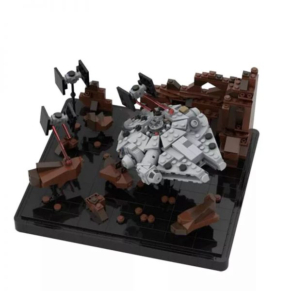 MOC 41087 Asteroid Chase Micro Millenn ium Falcon Episode V Star Wars by 6211 MOCFACTORY 2 - MOULD KING